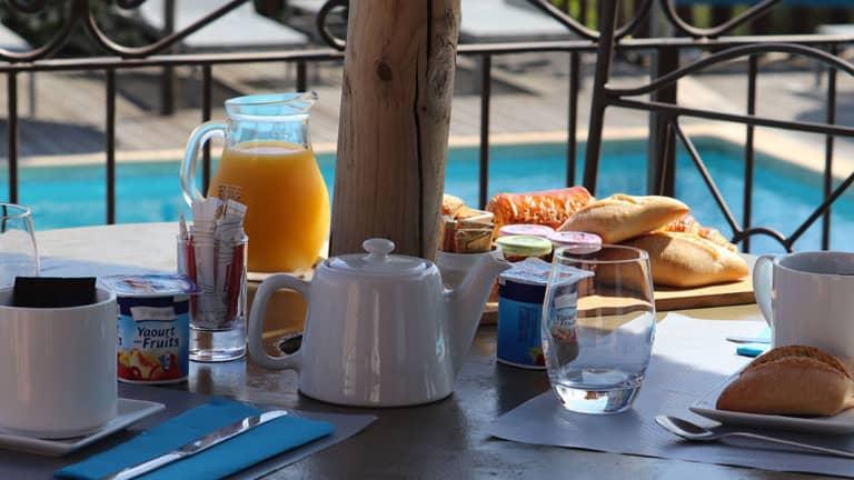 Petit déjeuner en Corse du sud